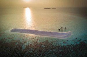 нощно море в Малдиви