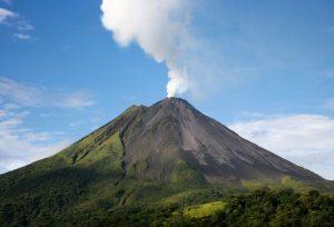 Вулканични пейзажи в Сейнт Винсънт и Гренадини